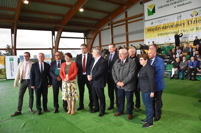 23 maja, w Kujawsko-Pomorskim Ośrodku Doradztwa Rolniczego zorganizowano Międzynarodowy Dzień Rzepaku EURORZEPAKByła to międzynarodowa debata z udziałem przedstawicieli europejskich związków producentów roślin oleistych (EOA) oraz ponad 300 rolników i ekspertów uprawy rzepaku.