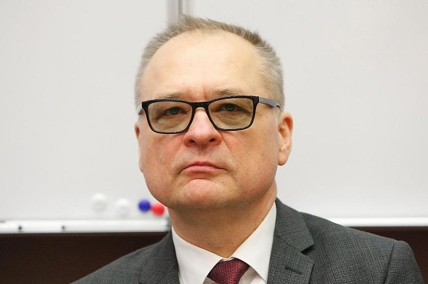 Uniwersytet Medyczny poinformował, że jedynym kandydatem na jego rektora jest prof. Radzisław Kordek, obecnie kierujący tą uczelnią.>>> Czytaj dalej na kolejnym slajdzie >>>