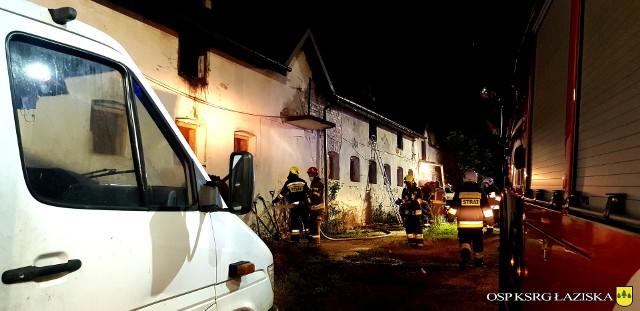 W akcji w Gorzyczkach brali udział m.in. strażacy OSP ŁaziskaZobacz kolejne zdjęcia. Przesuwaj zdjęcia w prawo - naciśnij strzałkę lub przycisk NASTĘPNE