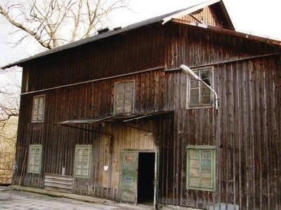 Ten młyn w Młodziejowicach zbudowano w 1938 r., wcześniejsze - były przynajmniej dwa - spłonęły doszczętnie Fot. Piotr Subik