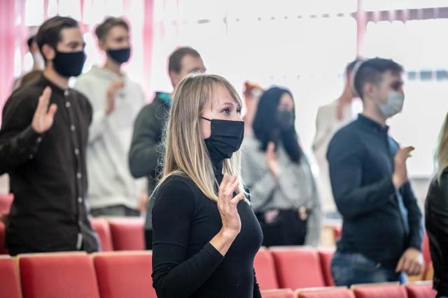 W sobotę (3.10) w Wyższej Szkole Ekonomicznej w Białymstoku odbyła się uroczysta inauguracja nowego roku akademickiego. Studenci złożyli ślubowanie i wysłuchali wykładu o mowie nienawiści.