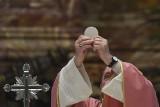 """Dekret Watykanu: Kościół nie może błogosławić związków jednopłciowych, bo  """"Bóg nie może błogosławić grzechu"""""""