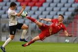 Robert Lewandowski gol na YouTube. SC Freiburg - Bayern Monachium 2:2 (WIDEO). Bundesliga skrót. Zobacz gol Lewego