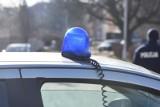 Śmiertelny wypadek na DK15 pod Koźminem Wielkopolskim. Samochód dachował i wylądował w rowie. Nie żyje kierowca