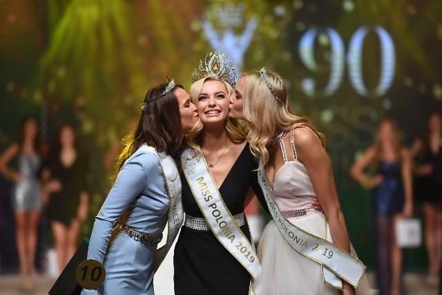 Karolina Bielawska Miss Polonia 2019 wraz z laureatkami
