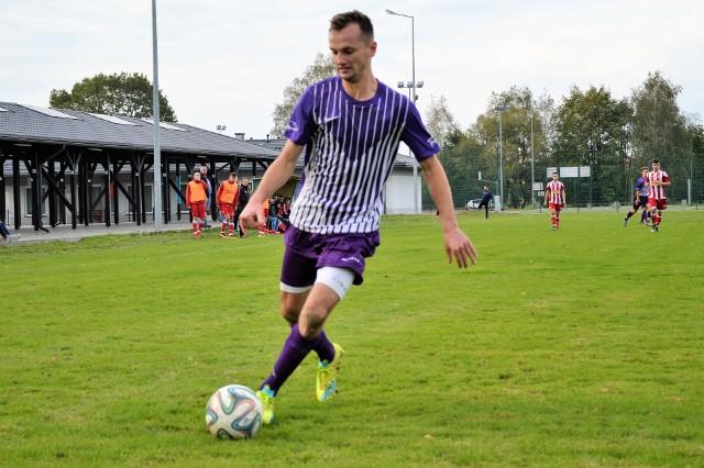 """Przemysław Oczkowski zdobył """"złotą bramkę"""" dla Hejnału w jego zwycięskim meczu w Rajsku 1:0, rozegranym w klasie A Oświęcim"""