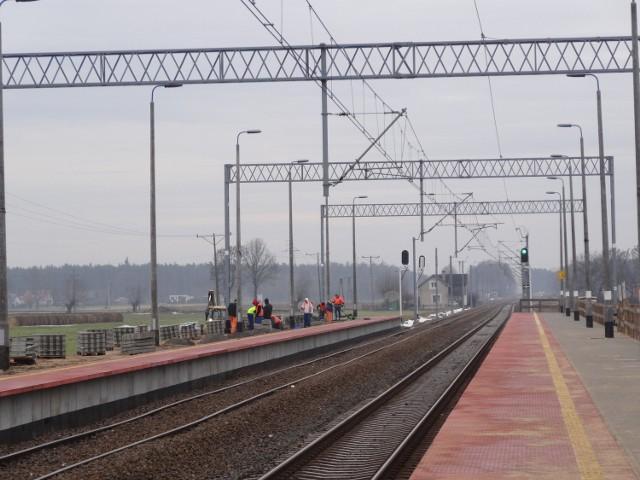 Modernizacja linii kolejowej Poznań - Wrocław trwa od kilku lat. W tym roku ekipy remontowe będzie można zobaczyć nie tylko w okolicach Drużyny (na zdjęciu) ale też w Mosinie.