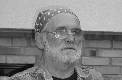 Stanisław Kuleszyński był woodstockowym weteranem. Znały go tysiące osób, które przyjeżdżały na tę imprezę. Zmarł 6 kwietnia 2013 roku.