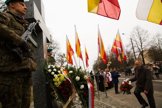 Białostoczanie co roku dziękują za ocalenie Białegostoku przy krzyżu przy ul. Poleskiej