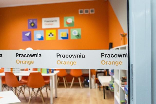Otwarcie setnej pracowni Orange w Kozerkach/ mazowieckie
