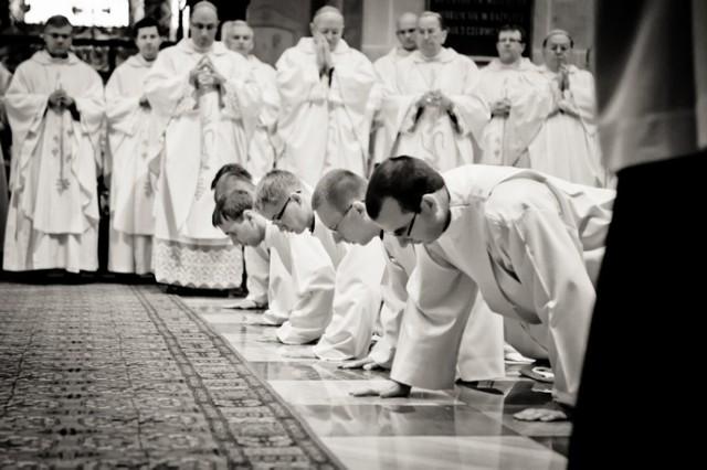 Gniezno: Święcenia kapłańskie w katedrze