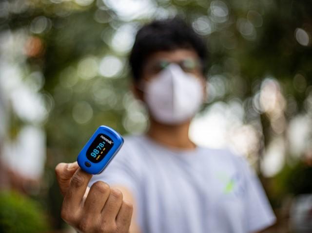 Pulsoksymetr ma być urządzeniem, które pomoże w walce z pandemią koronawirusa.