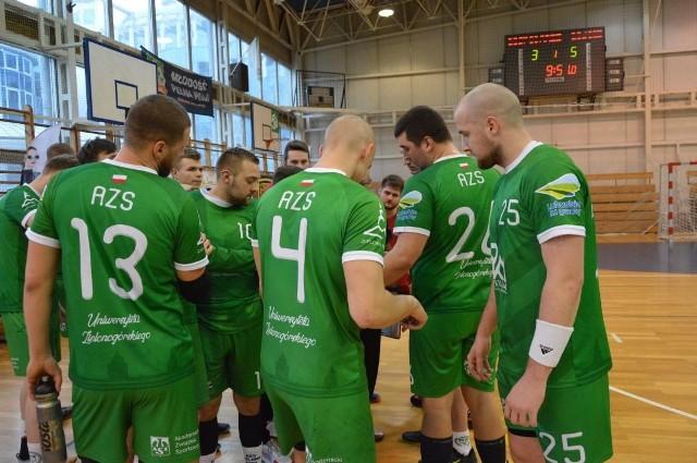 Piłkarze ręczni AZS-u Zielona Góra przegrali w Lesznie.