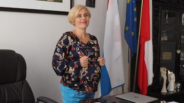 Emilia Bury, burmistrz Białogardu, pierwsza w naszym regionie, jedna z nielicznych w Polsce, burmistrz, która uda się na urlop macierzyński