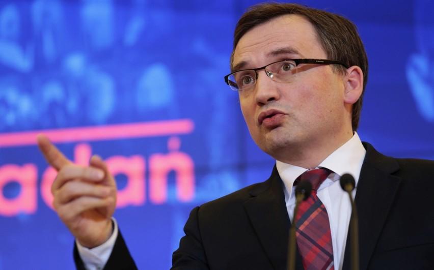 Zmiany proponowane przez ministra Ziobrę są negatywnie oceniane przez sędziów i posłów opozycji