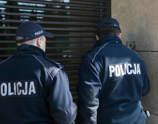 Opolska policja przypomina, że każda osoba objęta kwarantanną musi być odpowiedzialna i nie może narażać innych na ryzyko.