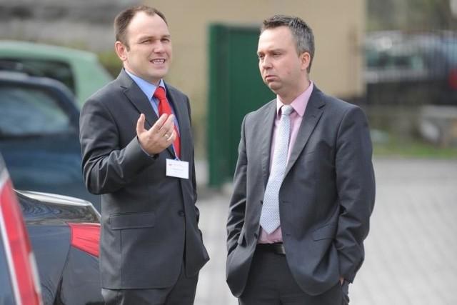 Tomasz Garbowski (z lewej) i Piotr Woźniak oficjalnie się porozumieli. Ale ich zaplecza zaczynają się podgryzać.