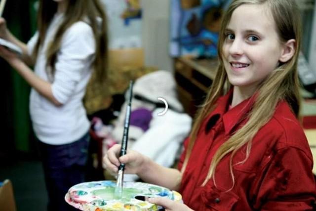 Uczestnicy półkolonii będą mogli m.in. tańczyć, śpiewać, malować, rysować oraz grać na instrumentach muzycznych.