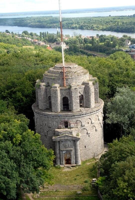 Obecny użytkownik był jedynym oferentem, który 8 lat temu chciał przejąć wieżę Bismarcka.