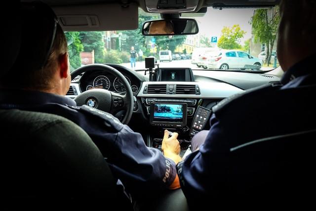 Strzelanina na Wygodzie w Białymstoku. Policja zatrzymała dwóch mężczyzn i kobietę. Poszukiwany jeszcze jeden pasażer