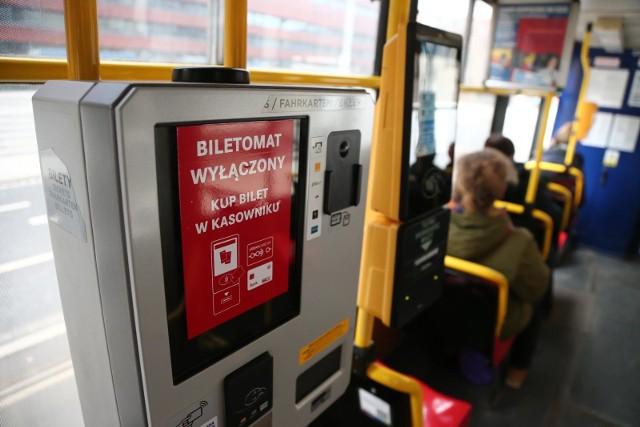 29.03.2018 wroclawkomunikacja miejska biletomat tramwaj mpk wymiana biletomatow kasownik gazeta wroclawskapawel relikowski / polska press