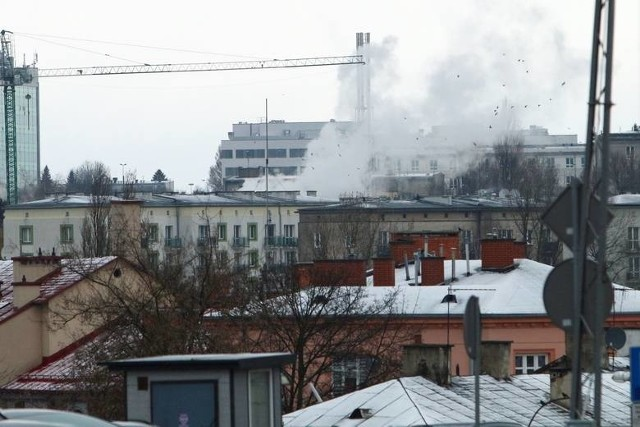 Największy wpływ na powstawanie smogu ma spalanie słabej jakości węgla w domowych piecach