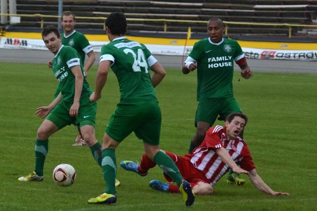 W sobotę Warta (zielone stroje) wygrała 3:2 w Ostrowie