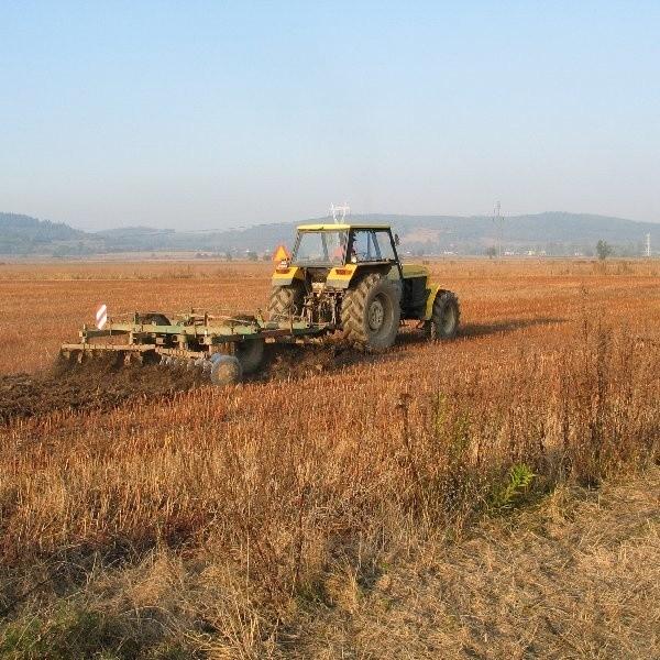 Policjanci z włocławskiej drogówki zatrzymali do kontroli ciągnik rolniczy.