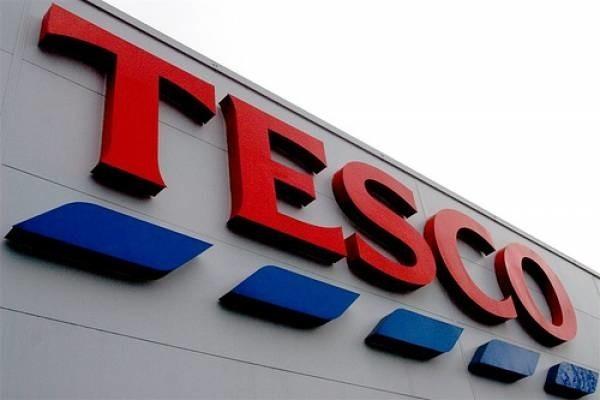Tesco Polska jest czołową siecią sklepów samoobsługowych na polskim rynku z ponad 420 sklepami, od hipermarketów po małe osiedlowe supermarkety. Co tydzień sklepy Tesco odwiedza ponad 5 milionów klientów.