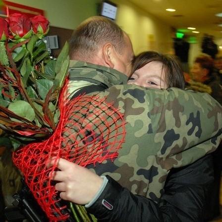 Lotnisko w Goleniowie: Zolnierze wrócili z Iraku.