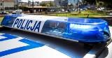 Powiat ostrowski. Uciekał przed policją, uderzył w radiowóz, powodując obrażenia u policjantów. 41-letni kierowca usłyszał zarzuty