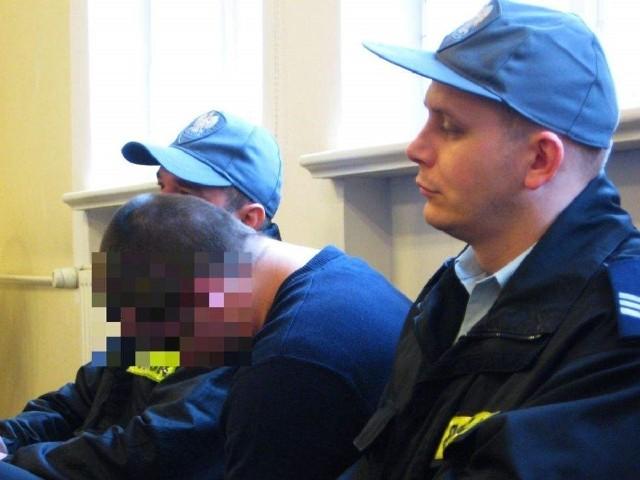 Dawid R. w opinii śledczych miał zgwałcić 16-letniego Kamila. Próbował wykazać, że ma ograniczoną poczytalność.