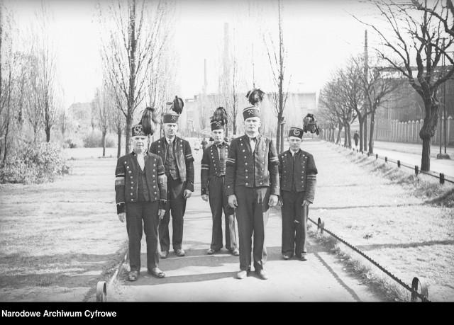 Siemianowice Śląskie przed II wojną światową Zobacz kolejne archiwalne zdjęcia. Przesuwaj zdjęcia w prawo - naciśnij strzałkę lub przycisk NASTĘPNE