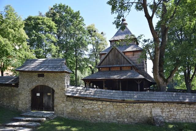 Zespół cerkiewny w Radrużu należy do najciekawszych tego typu zabytków w Europie.
