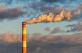 Najbardziej zanieczyszczone powietrze w Europie jest w Orzeszu. Tak wynika z raporta IQAir za 2020 rok. Na świecie dominują miasta w Azji