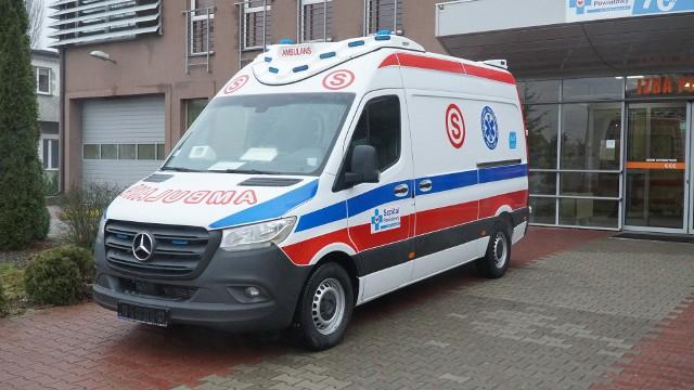 Nowa karetka dla szpitala w Drezdenku to mercedes Sprinter, rocznik: 2019