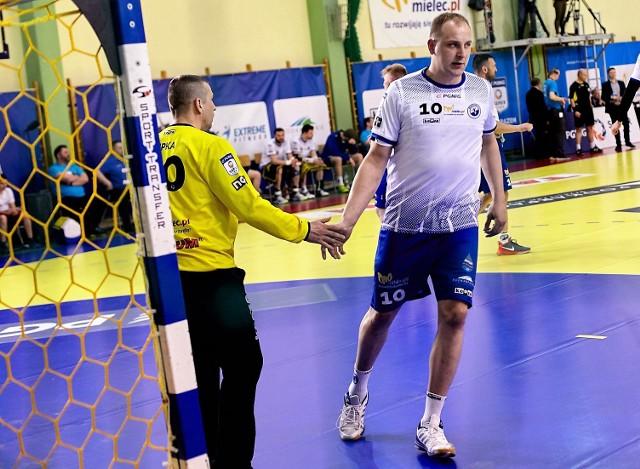 Jakub Kłoda (z prawej) w SPR Stali Mielec grał od 2015 roku
