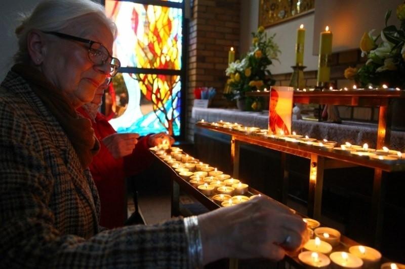 Mszę świętą dziękczynną w Sanktuarium Bożego Miłosierdzia na os. Sobieskiego w Poznaniu poprowadził biskup Grzegorz Balcerek