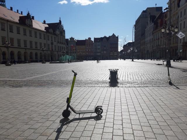 Wrocław: Rynek bez turystów. Restauracje zamknięte | Gazeta Wrocławska