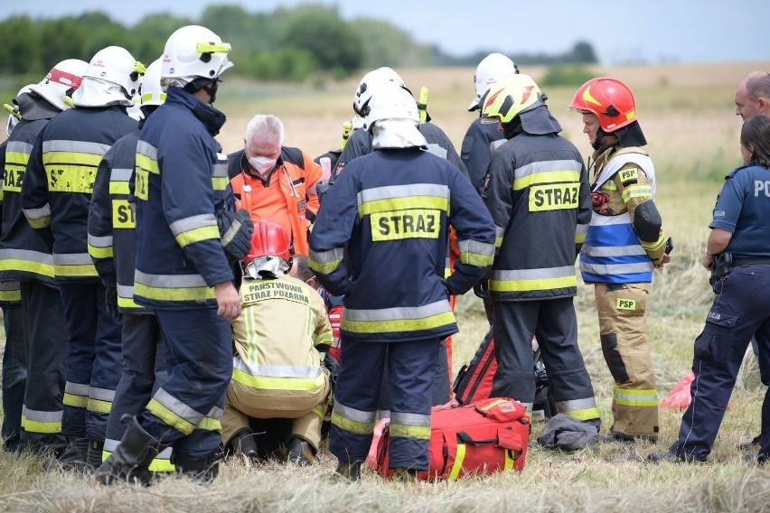 Tragiczny wypadek w Starokrzepicach. Podczas prac na polu...