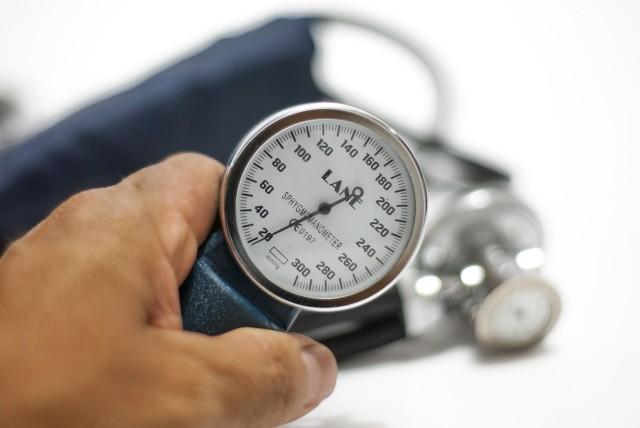 Główny Inspektoriat Farmakologiczny wycofał popularny lek na nadciśnienie z obrotu. Powodem decyzji jest wada jakościowa. Przeczytaj, o jaki lek konkretnie chodzi.