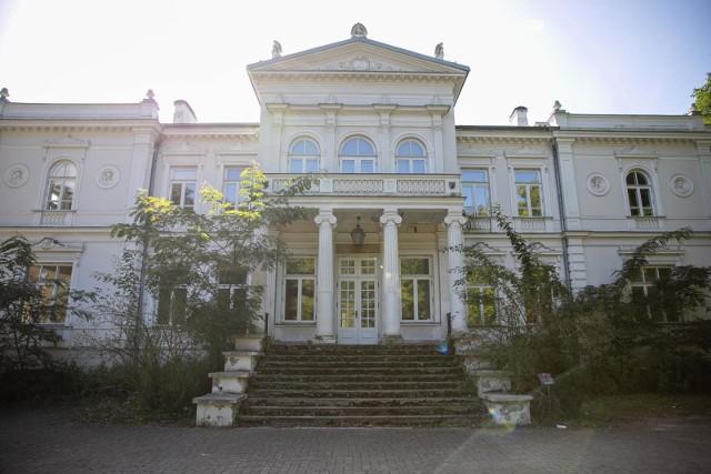 11.09.2020 Pałac Lubomirskich popada w ruinę