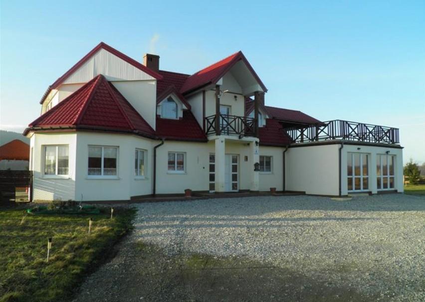 Ile kosztują domy wystawiane na licytacje komornicze? Sprawdź! Znajdziecie tu ogłoszenia o licytacjach z całej Polski. Informacje pochodzą z portalu licytacje.komornik.plSprawdź na kolejnych slajdach >>>