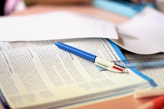 Gimnazjaliści poznali wyniki egzaminów. Teraz starają się dostać do wymarzonych szkół średnich.