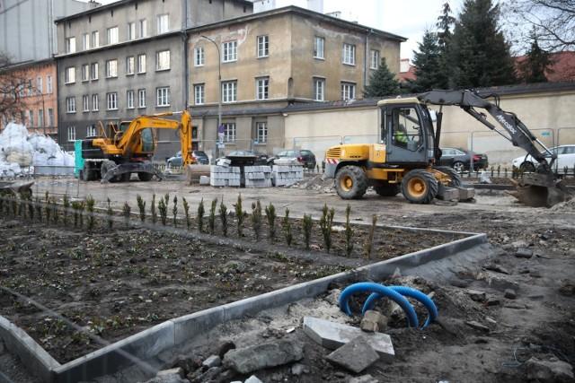 Wykonawcy nie udało się zakończyć przebudowy placu Biskupiego do 4 grudnia.