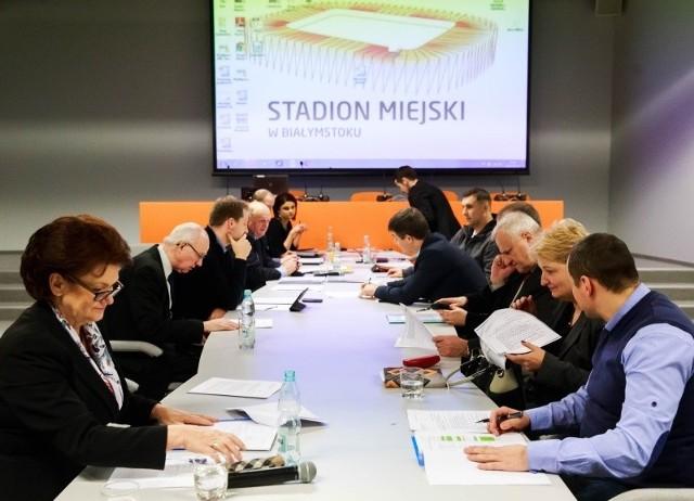 Radni z komisji sportu mieli wiele uwag. Najważniejsze tematy to boiska sportowe i stadion.