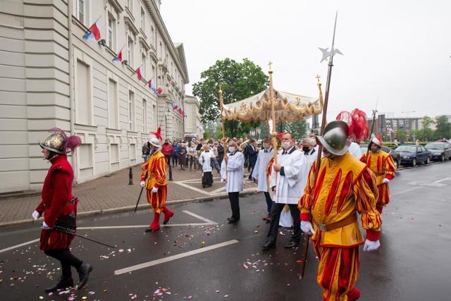 Procesje zorganizowane w parafii św. Andrzeja Boboli oraz w Bazylice mniejszej św. Wincentego a Paulo w Bydgoszczy.Więcej zdjęć na następnych stronach.
