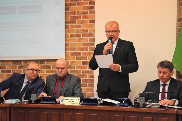 Uchwalę o obniżeniu pensji burmistrza Rada Miejska Mroczy podjęła jednogłośnie