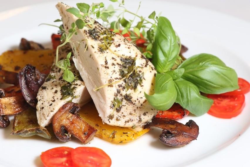 Przepisy Na Letnie Potrawy Z Ziołami Według Szefa Kuchni