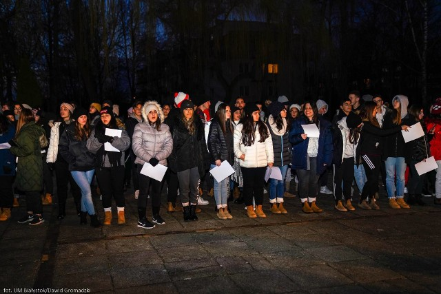 Żydzi z Yehud w Białymstoku. Razem z prezydentem złożyli kwiaty przy pomniku Bohaterów Getta na placu im. Mordechaja Tenenbauma (zdjęcia)